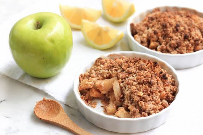 Paleo-Apple-Crumble_Final7-1.jpg